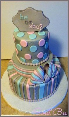 Gender Reveal Cake: love the neutral gray!