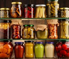 This is a guide about removing odors from jar lids. Depending on the jar's contents, sometimes the lid will retain an odor. Pickle Jars, Mason Jar Lids, Preserving Food, Antipasto, Biscotti, Pickles, Carne, Cucumber, Food And Drink