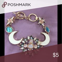 Gypsy Bracelet Why is this only $5? I'm trying to get rid of my sh*t. My loss is your gain..just take it. Jewelry Bracelets