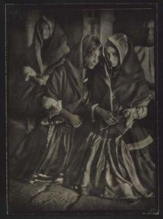 Ortiz Echagüe Puertas, José: Lagarteranas en misa 20 23