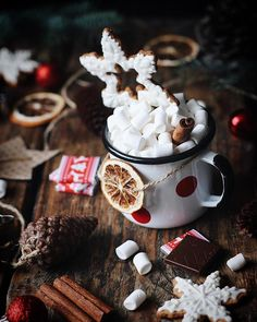 merry christmas, happy holidays 🎄 on We Heart It Merry Christmas, Cabin Christmas, Christmas Mood, Little Christmas, All Things Christmas, Winter Things, Winter Love, Cosy Winter, Christmas Chocolate