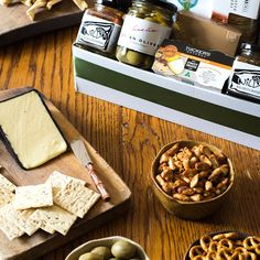 Sort Dad out with a hamper full of his favourite gourmet treats this Father's Day! Product Photography, Photography Ideas, Fathers Day Gifts, Gifts For Dad, Father's Day Flowers, To Spoil, Flowers Online, Hampers, Treats