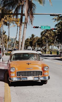 miami, vintage, miami beach, cuban Best Picture For cars illustration For Your Taste You are looking for something, and it is going to tell you exactl Beach Aesthetic, Aesthetic Vintage, Aesthetic Photo, Aesthetic Pictures, Aesthetic Women, Aesthetic Bedroom, Pink Aesthetic, Aesthetic Clothes, Bedroom Wall Collage