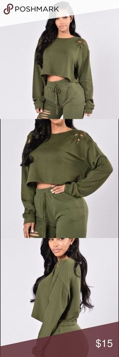 Cropped sweater Dark green ripped sweater. Great condition never worn. Please make offers! Fashion Nova Tops Crop Tops