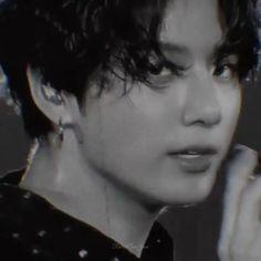 """Jungkook Song:""""the walls"""",chase atlantic Foto Bts, Bts Photo, Jung Kook, Jikook, Jungkook Oppa, Bts Bangtan Boy, Busan, Kpop Gifs, Bts Dancing"""