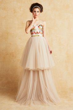 7d1669b7c0f40 トレンドのウエディングドレスやおしゃれなカラードレス、和装での結婚式におすすめの白無垢など、センスのいい婚礼スタイルをお探しのプレ花嫁必見。