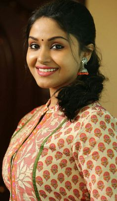 297 popular awesome malayali girls images in 2019 indian actresses rh pinterest com