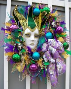 mardi gras wreath Source For more pins visit our homepage Mardi Gras Decorations, Mardi Gras Beads, Mardi Gras Carnival, Mardi Gras Party, Carnival Masks, Carnival Costumes, Mesh Wreaths, Holiday Wreaths, Costumes