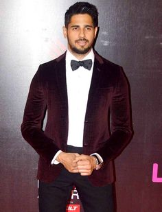 Sidharth Malhotra at Life OK Screen Awards 2015. #Bollywood #Fashion #Style #Handsome