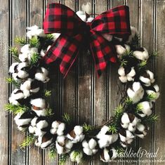 Are you searching for pictures for farmhouse christmas tree? Browse around this site for amazing farmhouse christmas tree inspiration. This amazing farmhouse christmas tree ideas seems absolutely terrific. Plaid Christmas, Christmas Holidays, Christmas Crafts, Christmas Decorations, Christmas Music, Christmas Carol, Handmade Christmas, Christmas Ornament, Christmas Ideas