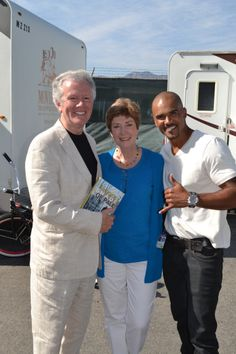 One more picture with Shemar Moore on the set of Criminal Minds...for all of his fans. (merletemple.com)