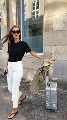 minimal fashion Casual Neutral Tone Spring Look - What to Wear this Spring Estilo Fashion, Look Fashion, Ideias Fashion, Classy Fashion, Winter Fashion, Mode Outfits, Casual Outfits, Fashion Outfits, Fashion Tips