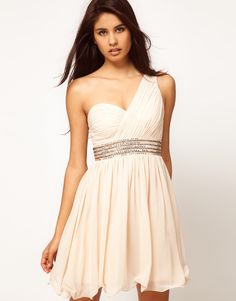 A one shoulder dress that looks like it would actually stay up.