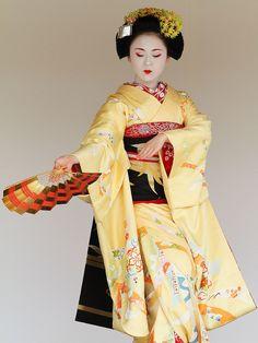 Kyoto Odori Performance. Maiko version