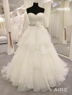 Puffy Wedding Dresses, Wedding Dresses With Flowers, Elegant Wedding Dress, Bridal Dresses, Wedding Gowns, Formal Dresses, Barcelona 2015, Ruffles, One Shoulder Wedding Dress