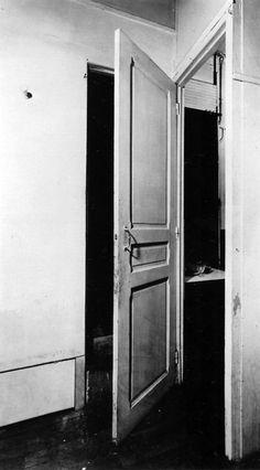 door . 11, rue larrey . parís . marcel duchamp . 1927
