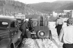 12Predal.Autos im Schnee, DKW mit Skiern.25.feb.1840