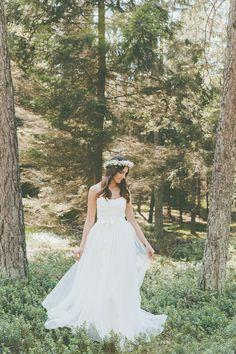 Das perfekte Brautkleid aus Spitze im Vintage Boho Look für Deine Hochzeit / the perfect wedding dress with lace made by Light-and-Lace-Brautmode via DaWanda.com