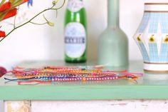 Zomerse armbandjes met kraaltjes | Wimke | DIY (do it yourself) | eenvoudige recepten | uittips