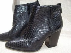 Vince Camuto Ankle Boots 10M/40 EU Black Leather Italy Padded Insole Dble Zipper #VinceCamuto #AnkleBoots #Casual