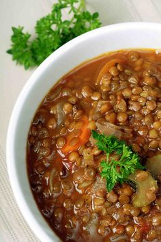 Cheap Healthy Recipes: Lentil Stew with Barley and Mushrooms. I would also add vegetarian sausage to bulk this up a bit.dinner is born. One pot cooking is good too. Lentil Soup Recipes, Vegetarian Recipes, Cooking Recipes, Healthy Recipes, Protein Recipes, Easy Recipes, Detox Recipes, Recipes Dinner, Crockpot Recipes