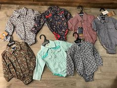 and baby fashion Baby onesies coming soon online Baby Onesies sind bald online Western Baby Clothes, Western Babies, Baby Kids Clothes, Country Babies, Country Baby Clothes, Country Baby Rooms, Western Dresses, Cute Outfits For Kids, Baby Boy Outfits