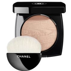 Chanel Poudre Lumiere Highlighting Powder