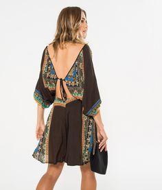 vestido curto bata triangulo