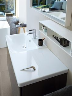 Wash Basin by Duravit & Phoenix Design concentrates on the definition of comfort, not only in its literal sense but also in term of strengthening. Complete Bathrooms, Amazing Bathrooms, Latest Bathroom Designs, Bathroom Furniture Design, Phoenix Design, Bad Inspiration, Wall Mounted Vanity, Bathroom Basin, Master Bathroom