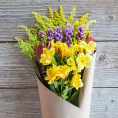 Surprise your mom this Mother's Day with this cute mixed bouquet! Ships directly from our California Coast farm to your door.
