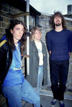 Nirvana Dave grohl.                 Krist.         Kurt cobain