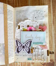 Mini Scrapbook Albums, Mini Albums, Scrapbook Pages, Scrapbooking, Memory Journal, Book Journal, Bullet Journal, Book Libros, Diy And Crafts
