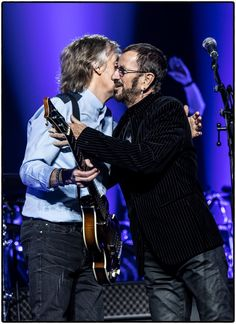 The legendary star of The Beatles, Paul McCartney posted a new photo of him and another The Beatles icon Ringo Starr. Paul celebrated Ringo's birthday and… Beatles Band, Beatles Songs, Paul Mccartney Ringo Starr, Rock And Roll, Beatles Photos, Sir Paul, The Fab Four, Girl Problems, Great Bands