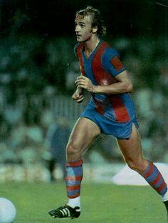 Johan Neeskens of Barcelona in Fc Barcelona, Barcelona Players, Barcelona Futbol Club, Best Football Players, World Football, Soccer Players, Fifa, Football Photos, Soccer Stars