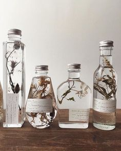 Botanical infused favors gift ideas for bespoke scents inspired by the season surroundings of your event in our latest post ww thelane com homemade essential oils link in bio how to make an explosion box cheap unique diy gift idea! Deco Cars, Homemade Essential Oils, Deco Nature, Ideias Diy, Witch Aesthetic, Blog Deco, Home And Deco, Dried Flowers, Water Flowers