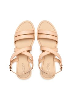 :CROSSOVER STRAP SANDALS