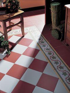 Geblokte vloer Gaudi style te zien in de showroom www.mawitegels.nl