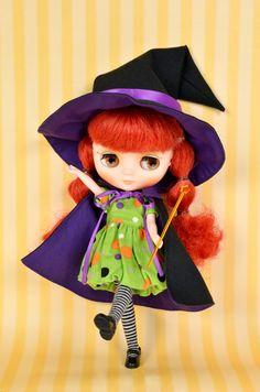 "Junie Moon Dollywear Halloween Dress Set ""Whimsical Witch""- green Halloween Doll, Halloween Dress, Halloween Costumes, Japanese Toys, Big Eyes, Blythe Dolls, Photo Book, Fashion Dolls, Color Change"