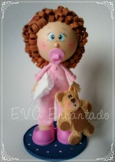 Adorable little girl in clay and felt, but there isn't a pattern for her...just the photo, sadly