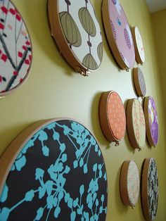 Wanddeko mit Stickrahmen