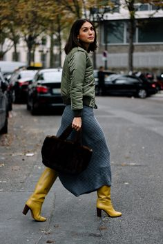Street Style Paris Fashion Week Primavera Verano 2017 | Galería de fotos 15 de 128 | VOGUE