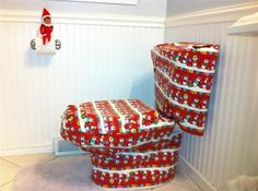 25 funny Elf on the Shelf pranks. Many that I haven't seen or would have thought of!