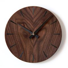 DISC CLOCK IN WALNUT