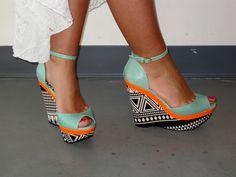 cewax.fr aime ces sandales plateformes compensées style ethnique afro ethno tendance Tribal Print Wedge, Fetiche Shoe Boutique