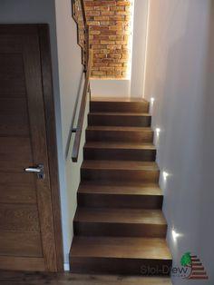 Schody na Beton 63 Home Stairs Design, Duplex House Design, Interior Stairs, Modern House Design, Interior Design Living Room, Tiled Staircase, Luxury Staircase, Staircase Lighting Ideas, House Construction Plan
