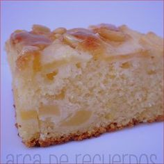 Tarta de manzana y almendras...I don't know what this is but I want it