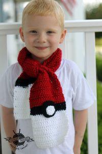 Crochet Pokemon Pokeball Scarf