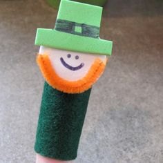 Felt Leprechaun Finger Puppet - A St. Patrick's Day craft that kids of all ages can enjoy!