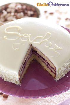 #SACHER AL CIOCCOLATO BIANCO (white chocolate Sacher torte), la versione chiara della famosissima torta viennese! #ricetta #GialloZafferano