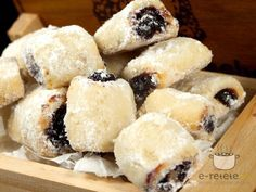 Romanian Desserts, Romanian Food, Romanian Recipes, Sweets Recipes, Cookie Recipes, Peach Cookies, Delicious Desserts, Yummy Food, European Cuisine